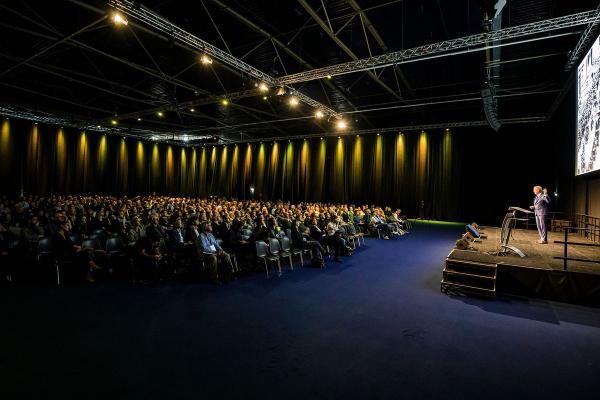 Conference_Slider 1